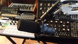 Shure SM7B Microphone w/ Preamp