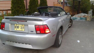 2000 Ford Mustang Convertible $1200 quick sale