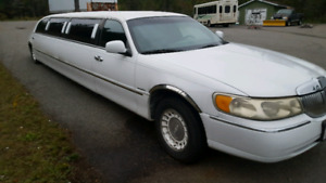Limo $2500 needs out of my yard