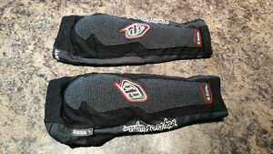 Troy lee designs elbow pads. Size large. $25