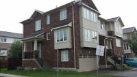 Beautiful townhouse in a prime Ancaster location