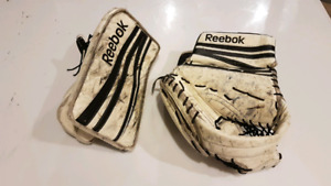 Reebok 14K jr goalie blocker and trapper set