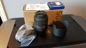 Nikon 105 MM  AF-S VR f 2.8G IF-ED Macro Lens
