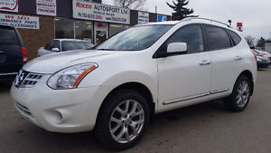 """CERTIFIED NISSAN ROGUE """"SV"""" AWD - Loaded - Sunroof - IN YORKTON"""