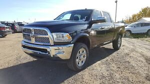 2017 RAM 3500 LARAMIE CREW CAB IN MAXIMUM STEEL !! 17R38317