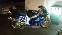 Looking for 2001 gsxr 750 parts