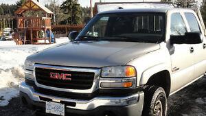 2004 GMC Sierra 3500 Pickup Truck