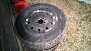 Like New Goodyear Assurance All Season 205/70/15