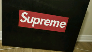 Supreme Logo painting