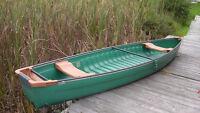Canoe 16 foots like new