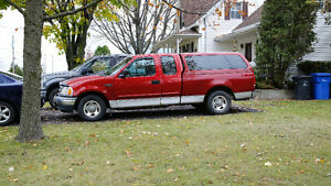 2001 Ford F-150 SuperCrew Pickup Truck
