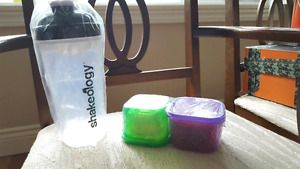 21 day fix Shakeology cup and set of portion control containers