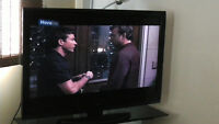 """TOSHIBA LCD TV 46"""" MODEL 46G310U EXCELLENT CONDITION"""