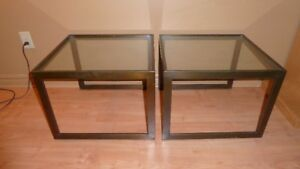 2  Brass and glass side tables /2 tables d'appoint en laiton et