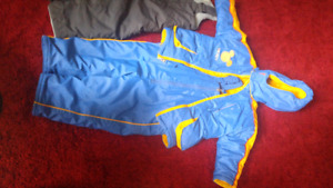 2 sets of Snow jacket and ski/snow pants