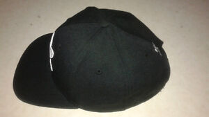 Men's Adiddas Hat . One Size Fits All. Cornwall Ontario image 2
