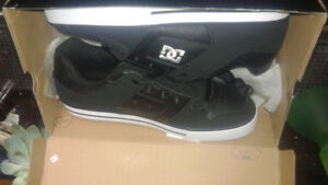 DC Men's pure skate shoe 12.5