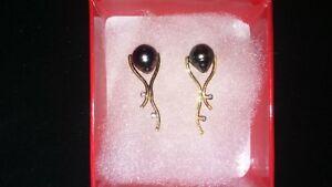 Boucles d'oreilles or 14k , diamants et pierres Tahiti