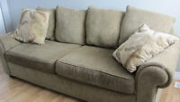2 Large Sofas with 2 scatter cushions each