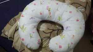 Breat feeding pillow for sale Kitchener / Waterloo Kitchener Area image 2