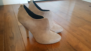 Spring Booties size 8