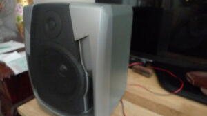 Philips Bookshelf Speakers (2 speakers) .