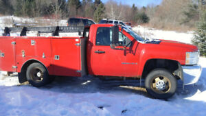 2009 Chevy 1 ton Dually 2 Wheel Drive