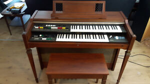 Yamaha Organ in Very Good Condition