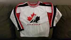 Team Canada Jersey Size 6X Child EUC Stitched