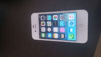 Iphone 4s White 8G (ROGERS/FIDO)
