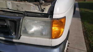 2003 Ford E350 Headlights Windsor Region Ontario image 3