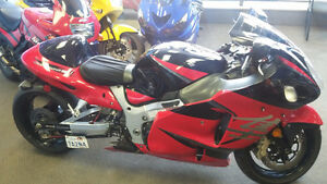 hayabusa like new low kms price reduced this week ondly.