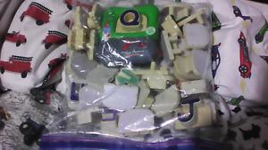 Leapfrog fridge magnet learning sets