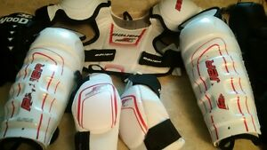 youth size lg hockey gear St. John's Newfoundland image 3