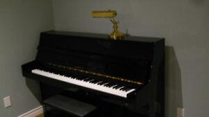 Piano droit laqué noir (PRIX REDUIT)