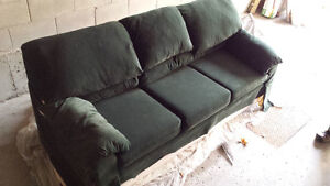 3 Person Dark green couch for sale! Gatineau Ottawa / Gatineau Area image 1
