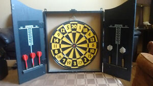 Dartboard and cabinet set