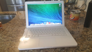 WHITE 2010 UNIBODY MACBOOK