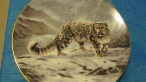 SNOW LEOPARD COLLECTOR PLATE