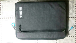 Selling 13.3 inch Thule double padded sleeve. Used once