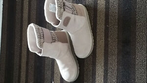 Size 5.5 brand new womens Sorel boots