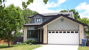 Whyte Ridge Professional/Family Home Available Sept 1