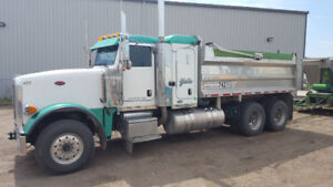 Gravel Truck with Quad Wagon For Sale