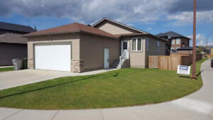Newer 4 Bedroom Home in Parkview (Alberta side)