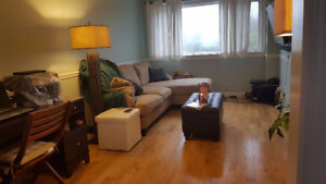 FOR RENT Townhouse in Courtice 2+1 bed 1.5 Bath garage yard