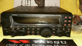 Yaesu FT 450 AT Tranceiver with Built in Tuner for Sale