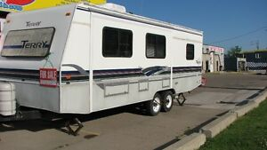 27 ft TRAILER  !!!! WANT IT SOLD TODAY !!!!!