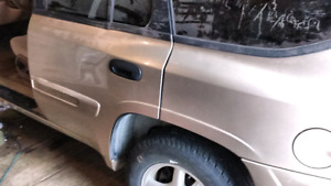 04 GMC envoy for parts only