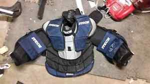 Sr. Goalie equipment for sale Regina Regina Area image 7