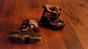 Boy's Winter Boots Size 4, like new